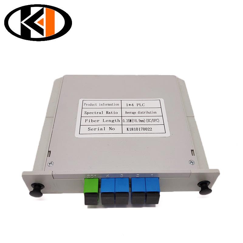 /img / 1x4-SC-UPC-kasset-tipe-met-connector-optiese-splitter-plug-in-tipe-met-connectors.jpg